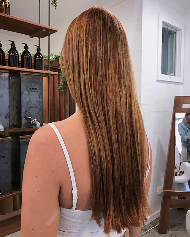 Monday muse. Extensions can be installed to create volume rather than length and with @baileymaehairextensions custom range of extensions we can perfectly match your hair colour. If we didn't tell you.... you wouldn't even know 💛 . . . . . #bythelovinggypsies #baileymaehairextensions #byronbay #byronbayhairsalon #byronbayhairdresser #byronbayhairdresser #byronbayhair #byronbayhairextensions #goldcoasthairextensions #byronbayhaircolourist #byronbaymakeupartist