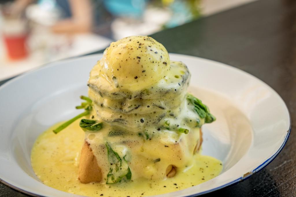 Allan's Breakfast Club | Portobello mushroom on a brioche | TookTook