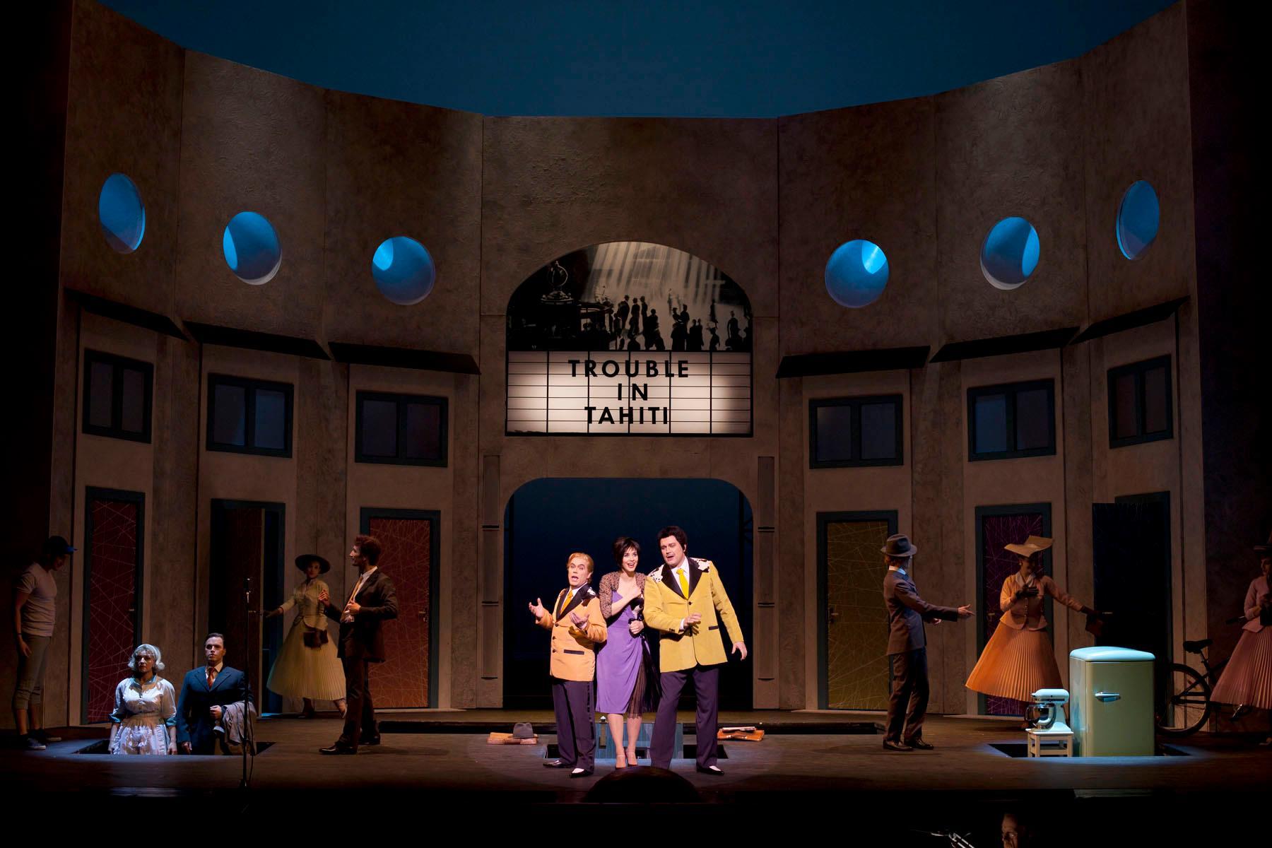 Trouble in Tahiti på Kungliga Operan, Beatrice Orler i mitten mellan sina triokollegor Klas Hedlund och Gunnar Lundberg.