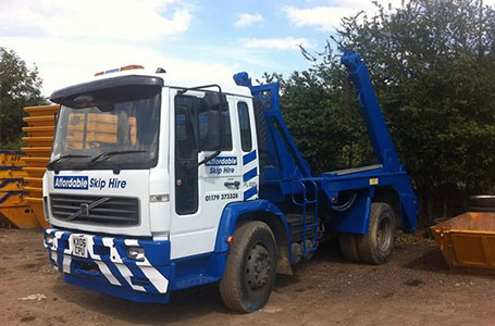 Length of hire - Typical English weather prolonging the job? Don't worry, our skips are normally hired for a two week period, however, we are very flexible and willing to negotiate the time period if needed.