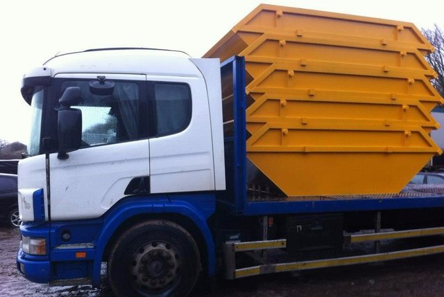 Our commercial skip hire services - • Competitive pricing• Same day drop off• Wait and load service• All businesses catered forAll sizes of commercial and industrial skips