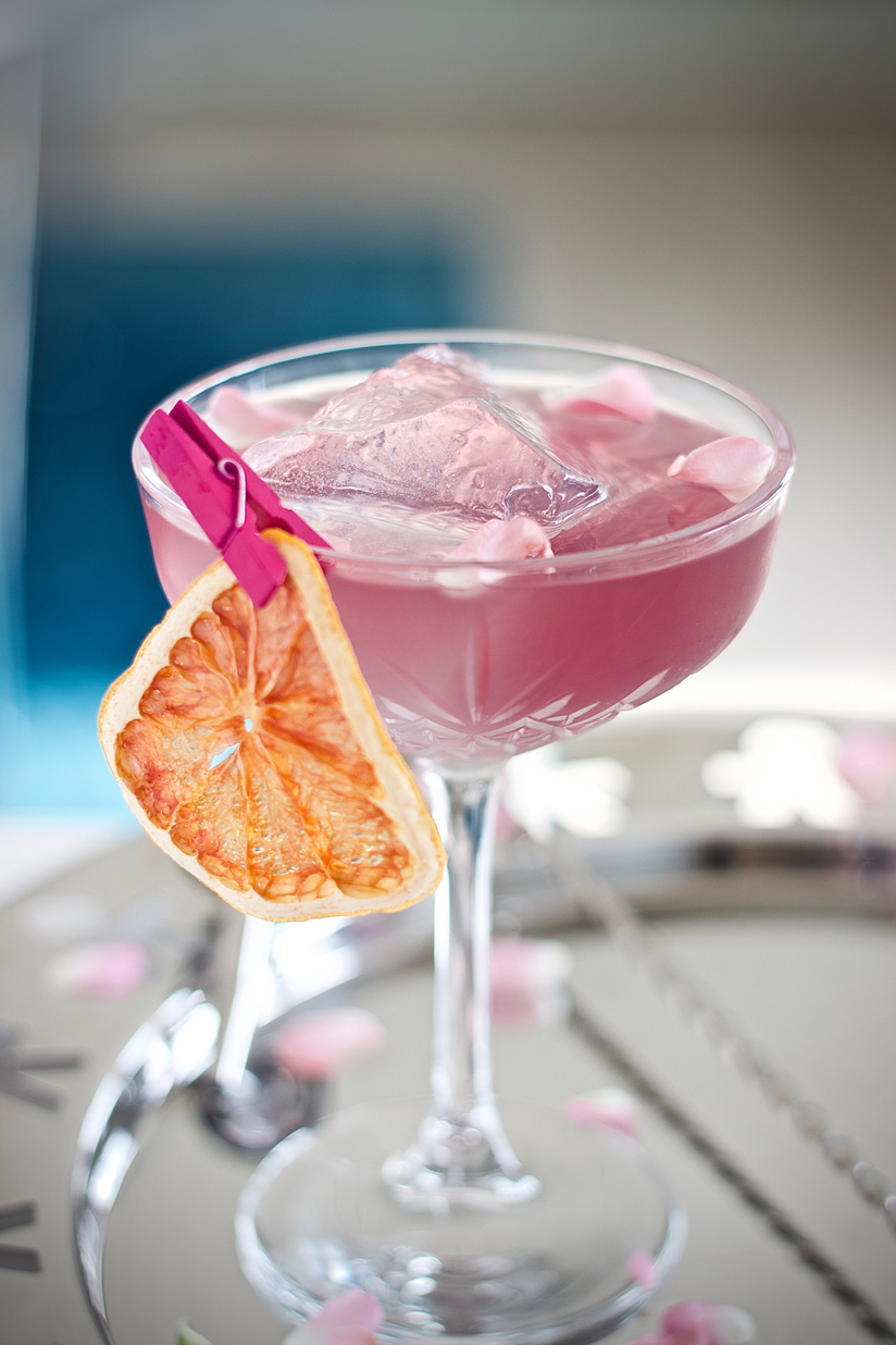 Vesper - Light, fruity and clean. Your spring companion5cl Illusionist Dry Gin1cl Vodka2.5cl Berry Tonic Syrup1 dash of Grapefruit BittersStir with plenty of iceGarnish - Slice of dehydrated grapefruit