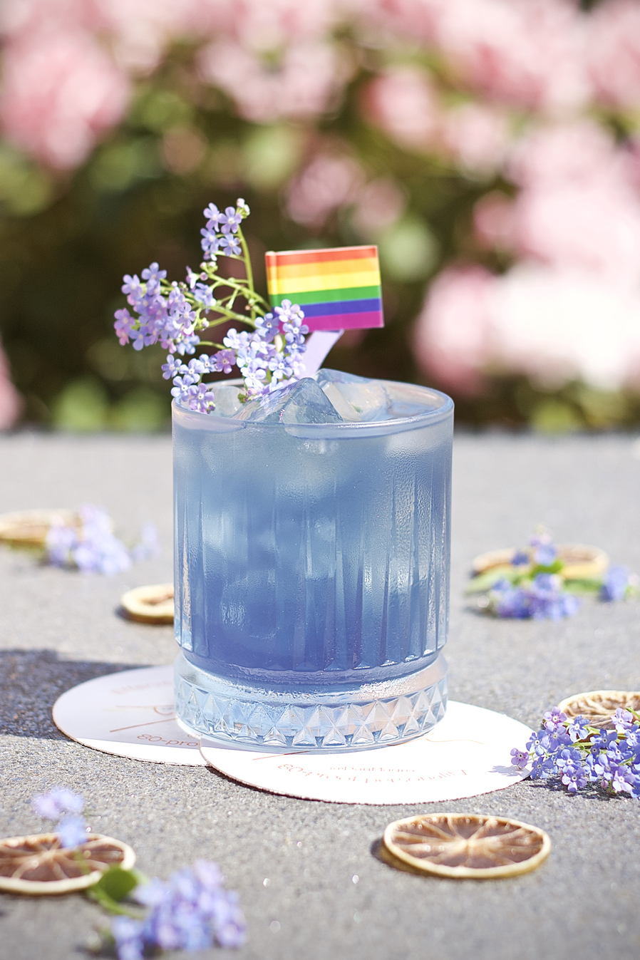 Blue Pride - A perfect pairing for the entire month of July.6 cl Illusionist Dry Gin1.5 cl Violette Liqueur 1.5 cl Lemon juiceTop with your choice of tonic waterGarnish - Proud Flag and season's flowers⠀