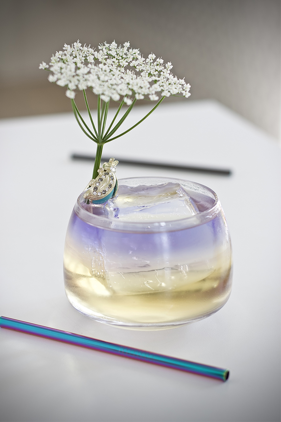 Jewel of the Garden - a classic cocktail to keep a cool head3 cl Illusionist Dry Gin (to float)3 cl Elderflower Liqueur3 cl Chardonnay Grape Juice1 Dash Peppermint Bitters1 Dash Cardamom BittersTop with Tonic WaterGarnish - Elderflower⠀