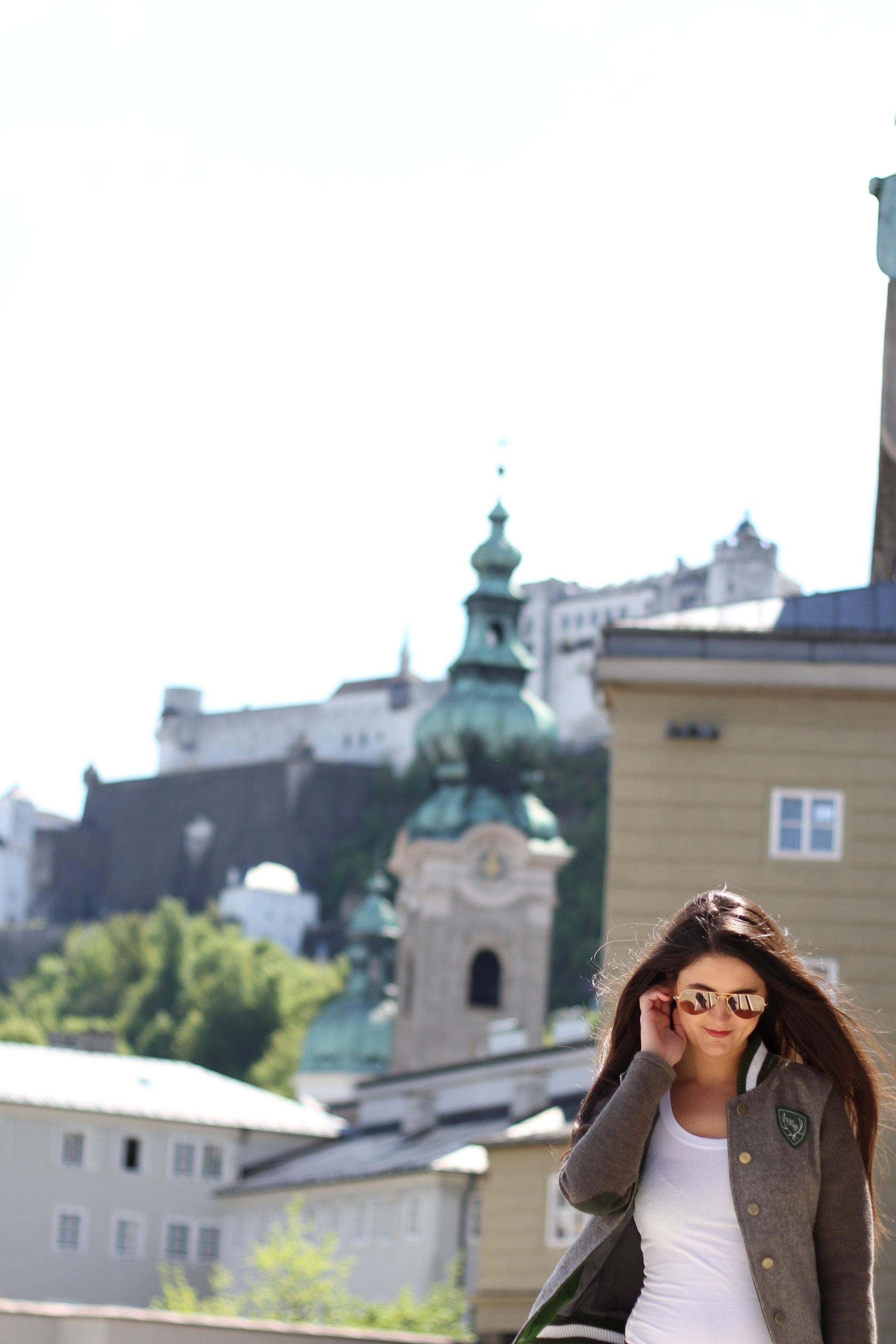 Who is Magnolia? - Herzlich Willkommen bei Magnolia Music & Arts - der jungen Content Agentur von Magdalena Griesner, MA.Mit einem Master Abschluss in Musik- und Tanzwissenschaften und meiner Berufung als freischaffende Redakteurin, Content Managerin und Bloggerin habe ich mich darauf spezialisiert Content für den Kunst- und Kulturbereich zu erstellen.Meine Blogs betreibe ich mit viel Herz und Passion. Auf meinem Kulturblog schreibe ich über Kunst und Kultur in der Stadt Salzburg. Auf internationalekunst.at biete ich Künstlern eine Plattform, sich zu präsentieren.Brauchst du Hilfe mit deinem Online-Auftritt? Ich freue mich über deine Nachricht!
