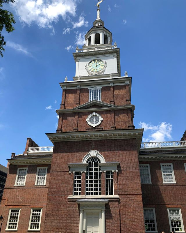 Sunset elementary touring independence hall today. Only one of the many amazing places in Philadelphia.