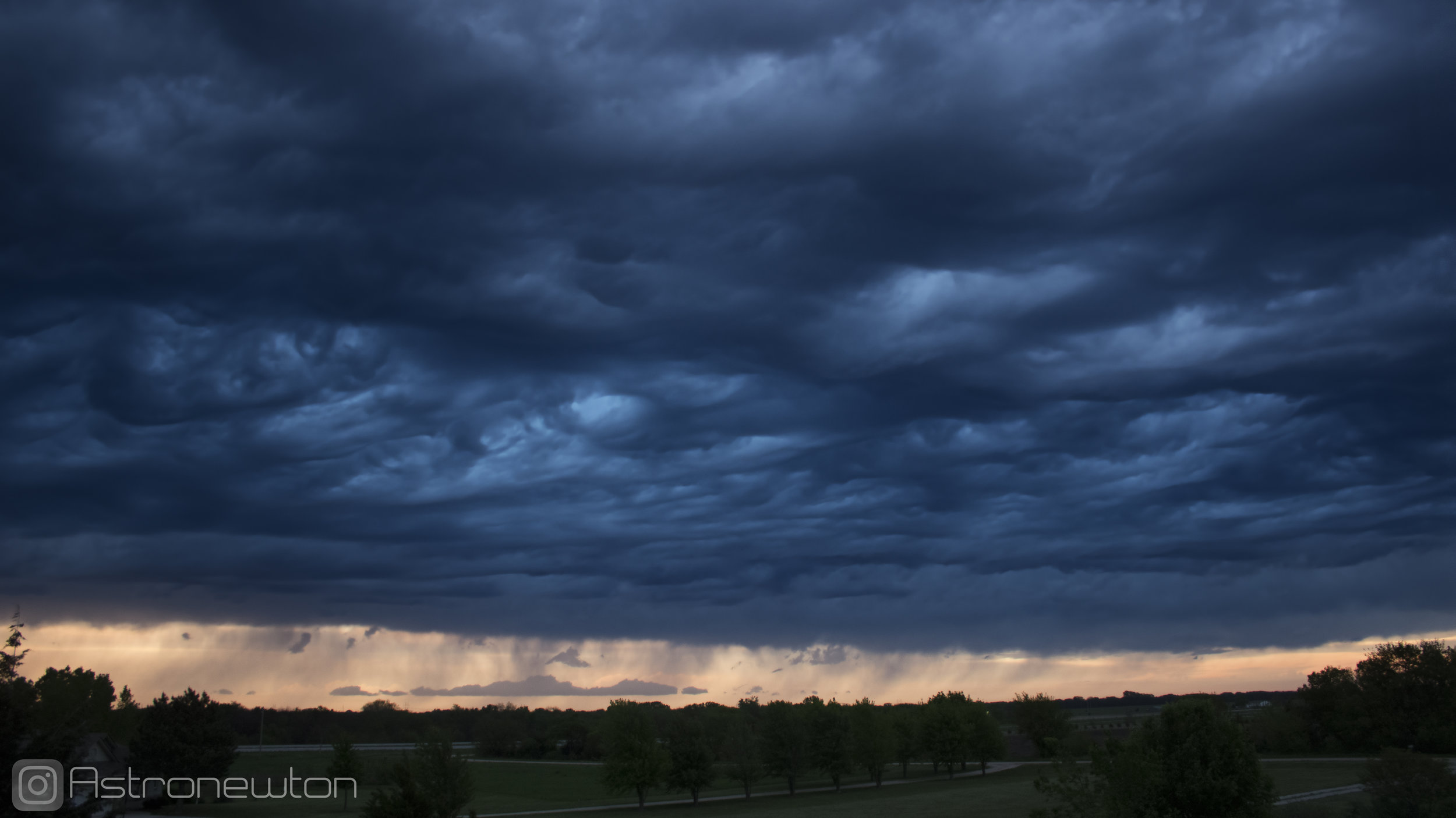 Asperitas Clouds (I am not absolutely certain if I correctly identified these) descending like a blanket. May 5, 2019, Canon T3i + 18mm Lens