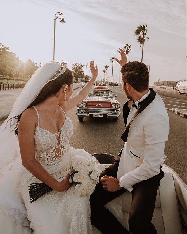 Enamorados de Cuba 🇨🇺 #lahabana #ladivinapastoracuba 📸 @limstudio @luisprincefoto @menalina06 🎥 @mauprince6609