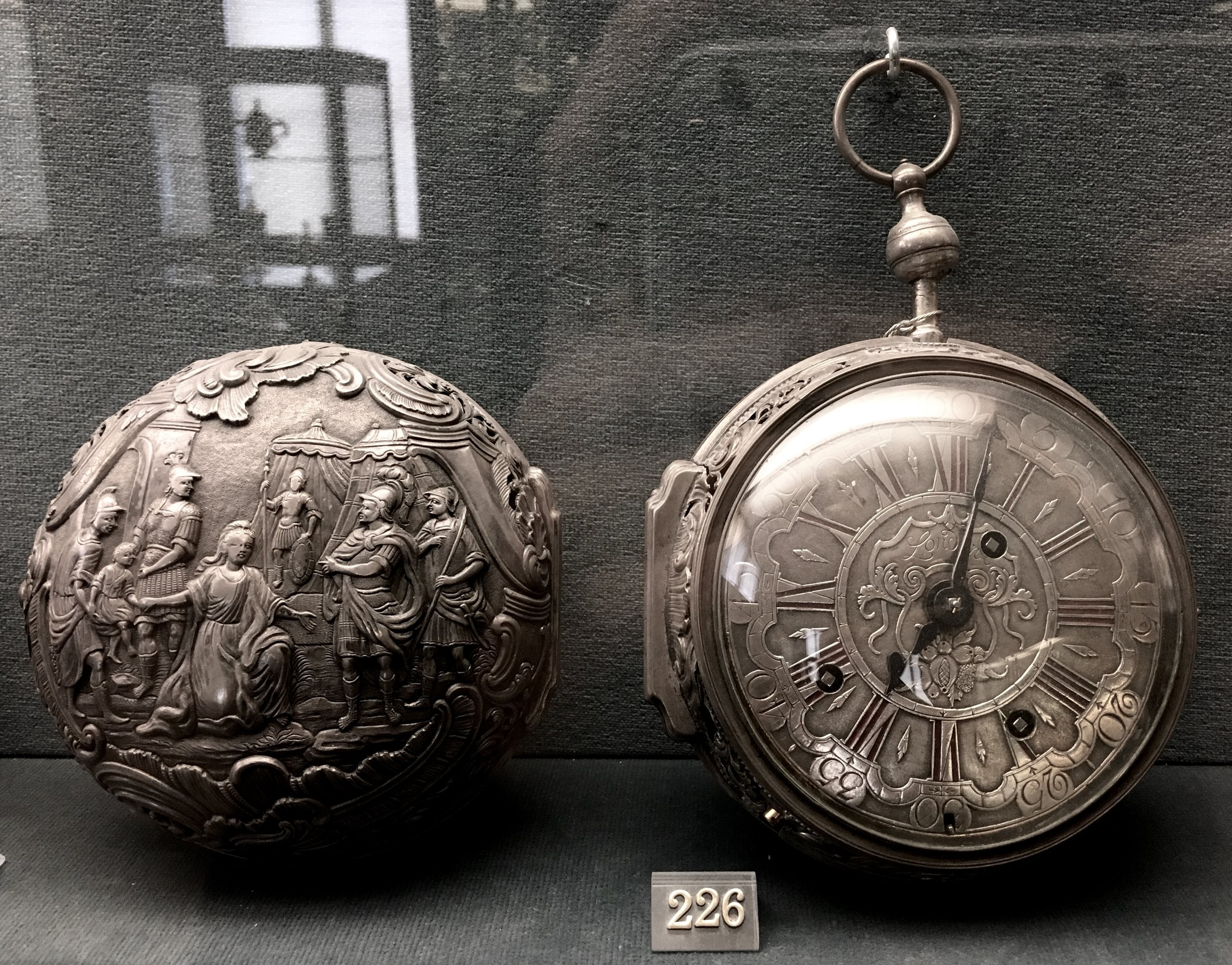 Silver cased quarter-striking coach watch with quarter-repeat. Made by Lorenz Beitelrock. Lublin, c.1760. The Ashmolean Museum, Eric Bullivant Bequest, 1974 [WA1974.216]