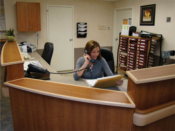 rh nurse station.jpg