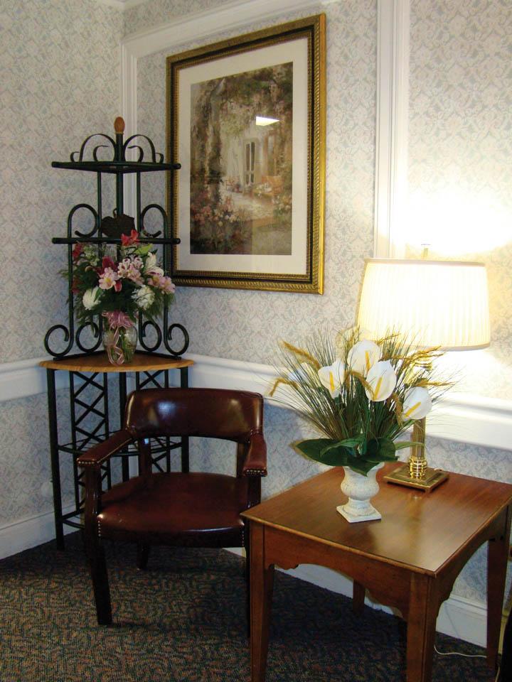 chesterield_corner room.jpg