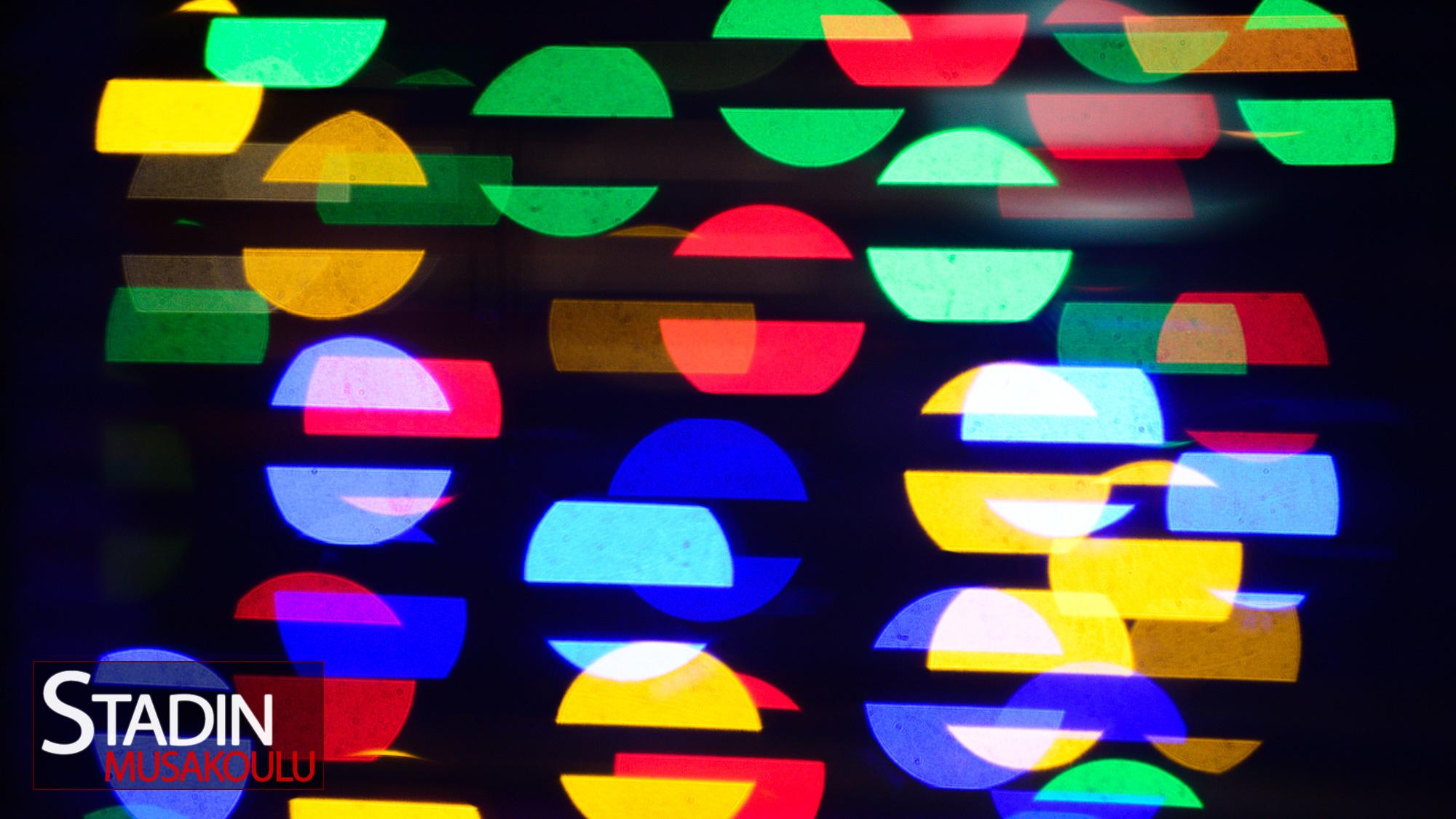 Värikkäitä valoja