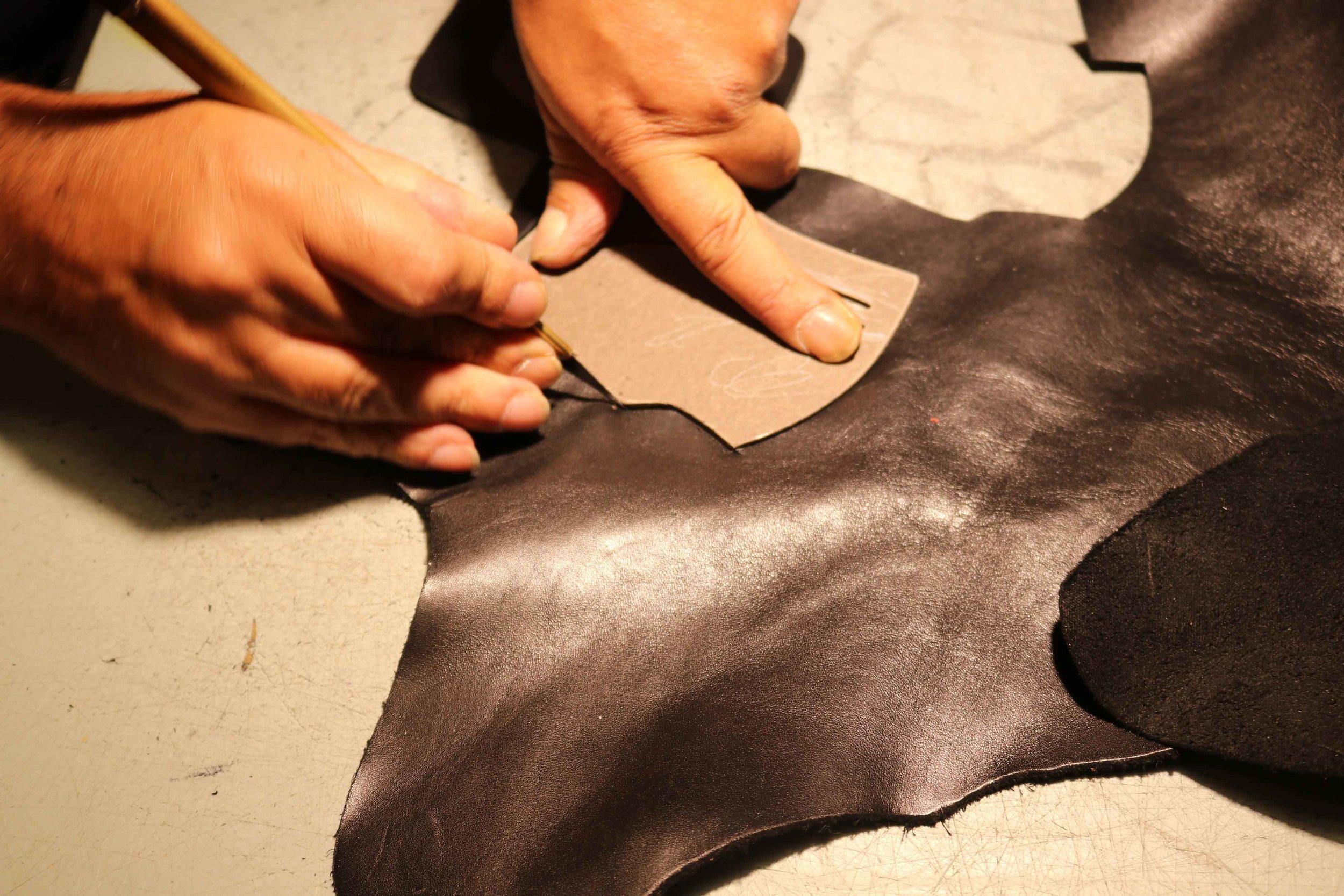 Cutting-leather---vyrezavani-kuze.jpg