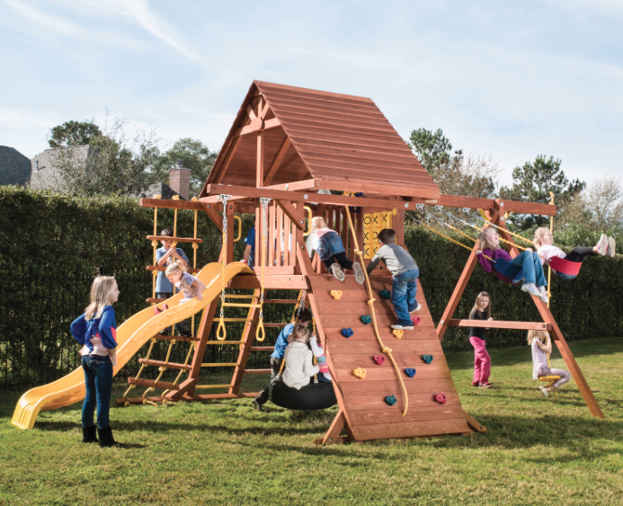 Parrot Island Playcenter w/ Wood Roof