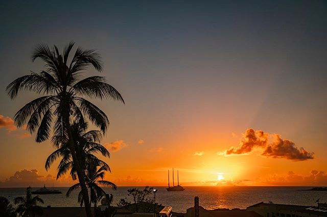Pure magic ✨ #saintmartin #sunset 📷: @geoh.photo