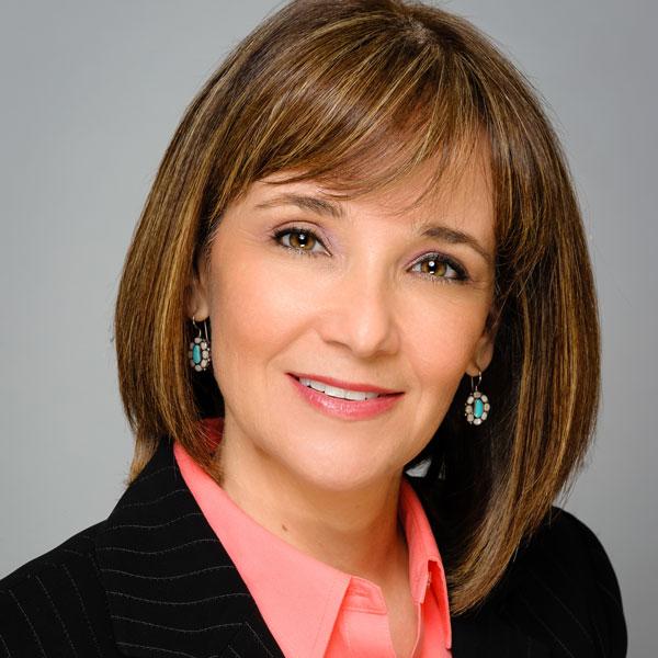 Veronique Descombes - Presidenta y dueña de Active Media Group, Inc.