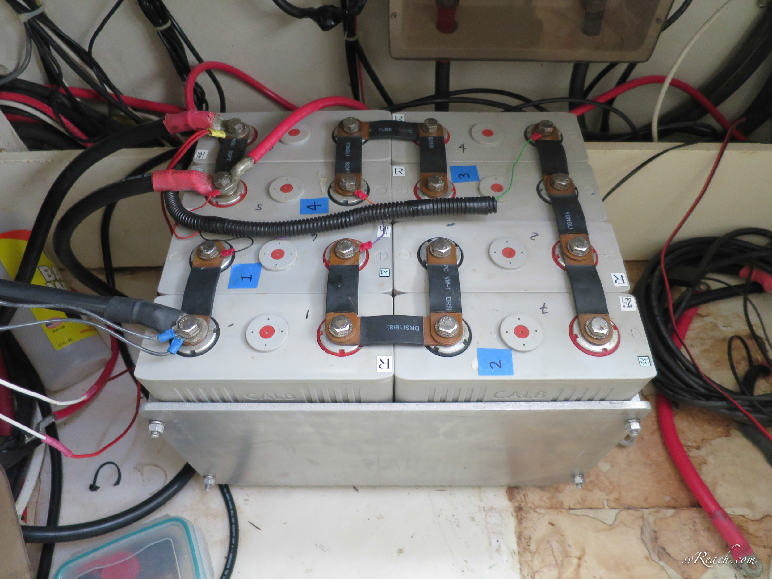 LiFePO4 battery bank