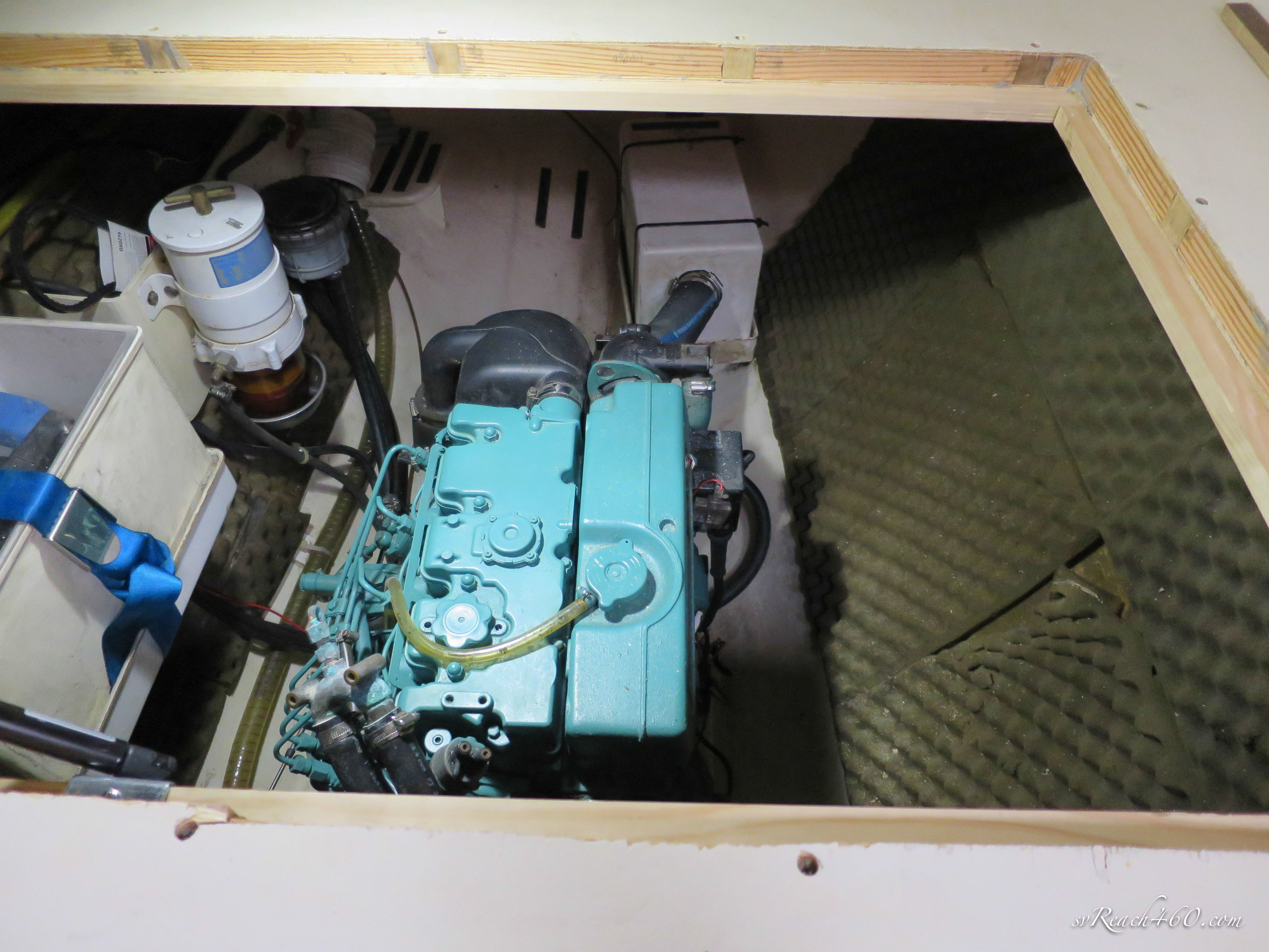Engine access hatch