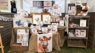 LOBI Creative - LOBI Creative is a local Dorset based business, offering original wildlife watercolour art, homeware & gifts, painted by artist Rebecca Beeston. We offer unique original paintings as well as taking commissions of your beloved pets or other animals.