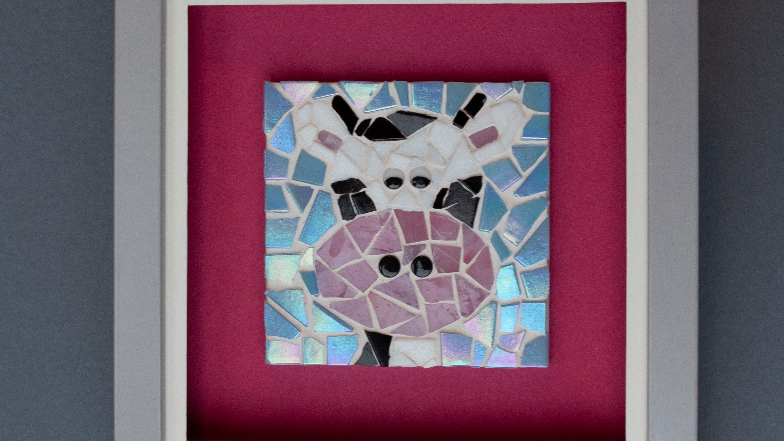 Berrybutton Designs - Berrybutton Designs handcraft beautiful and bespoke modern mosaic art and gifts.