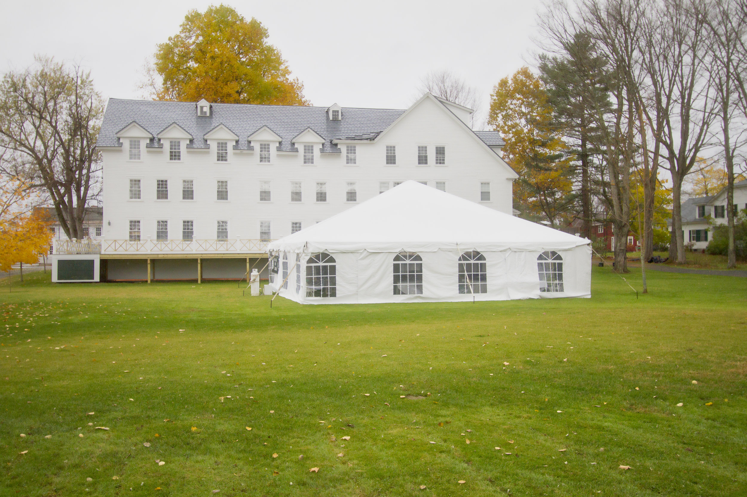 Utilize the lawn for autumn events