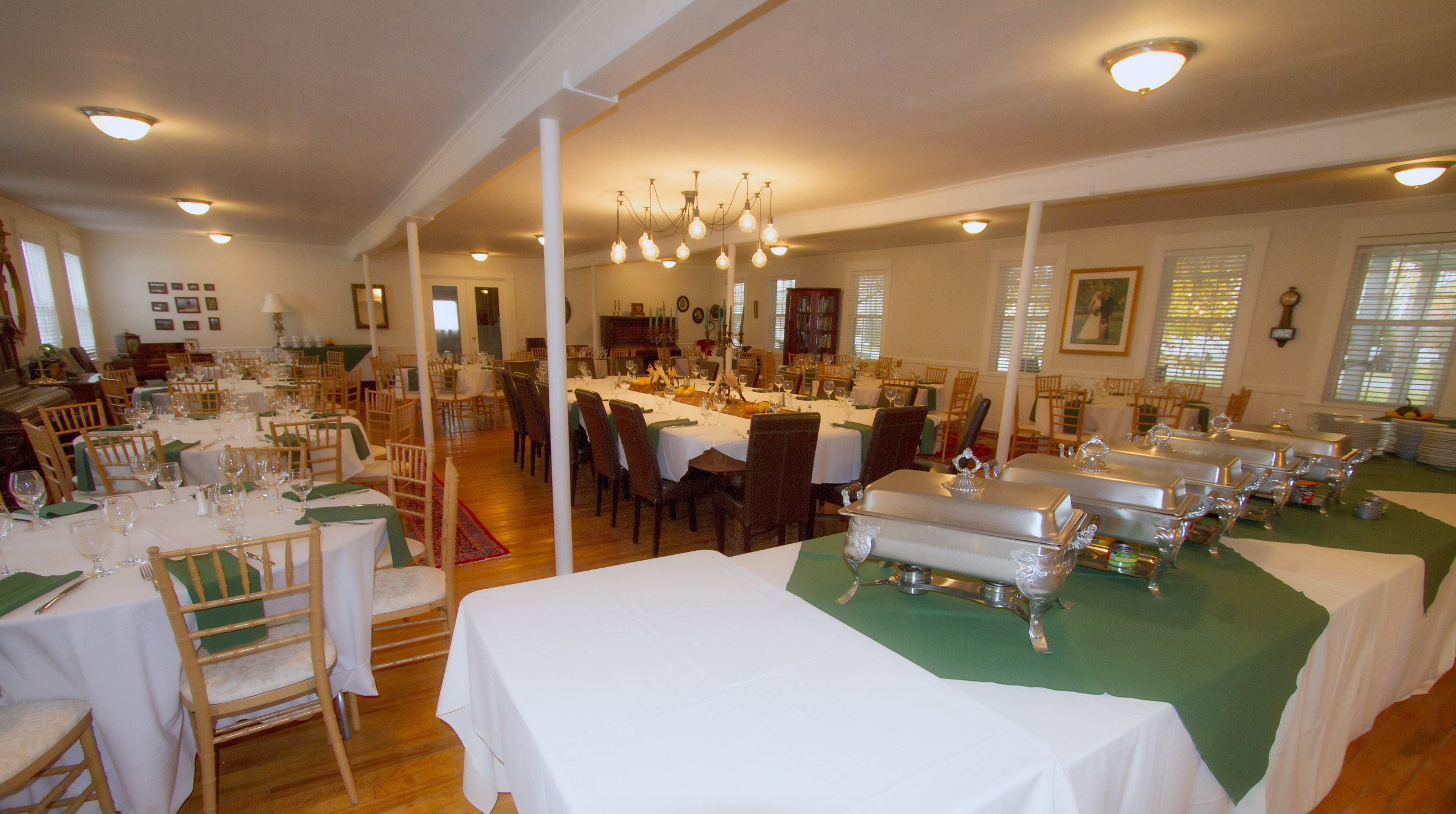 Dining hall perfect for weddings and functions