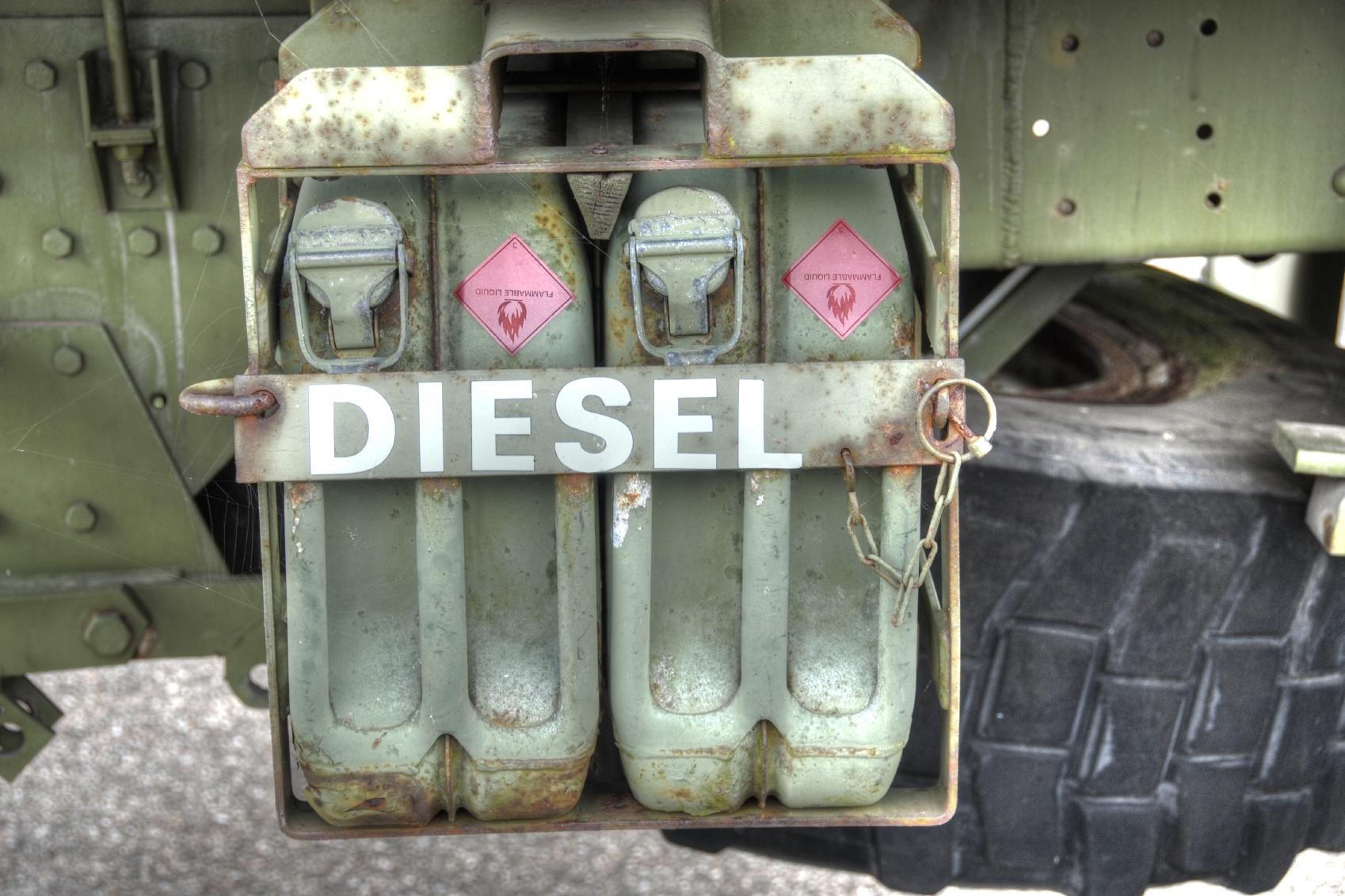 Diesel_000021170784Medium.jpg
