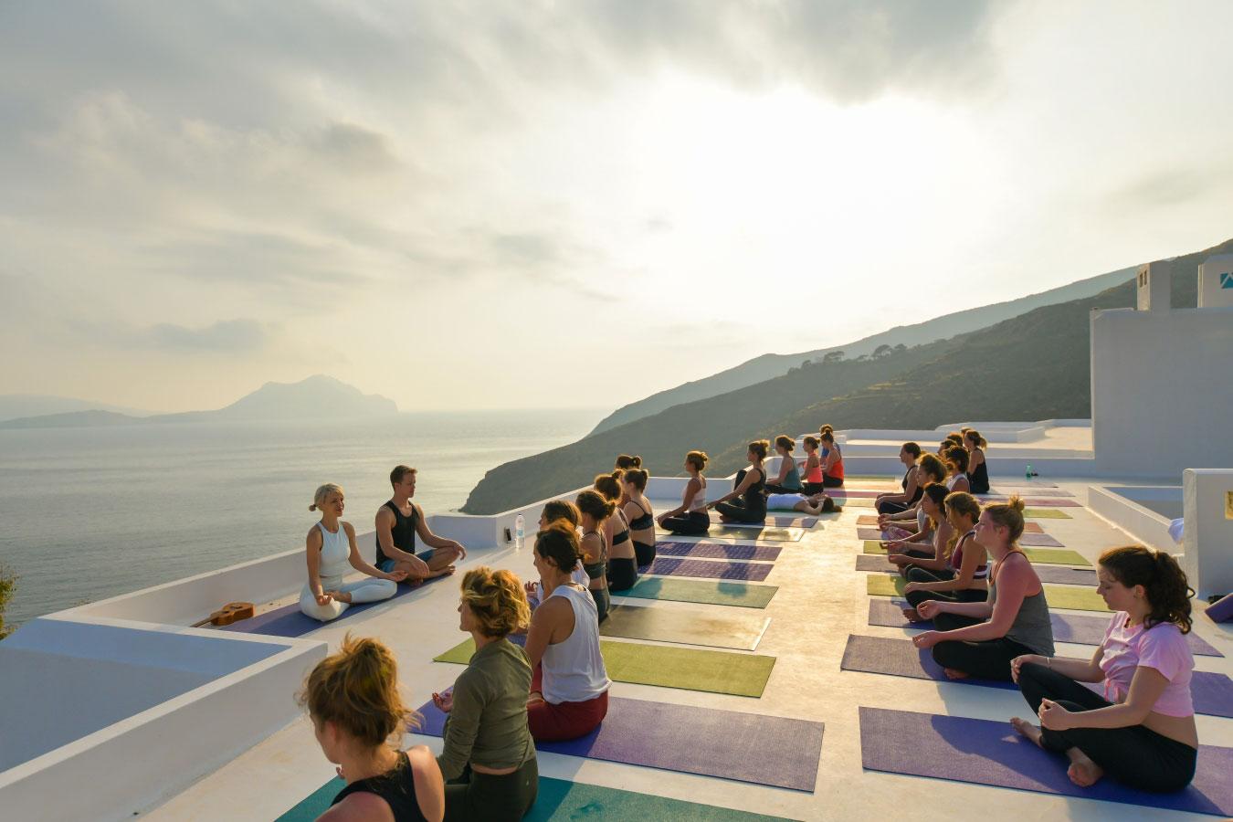 aegialis-yoga03.jpg