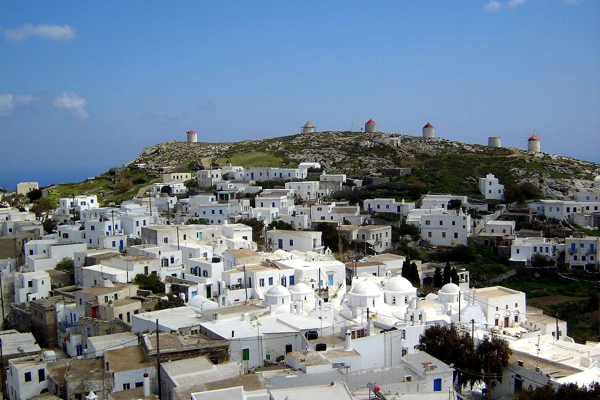 1200px-Chora_Amorgos_7231.jpeg