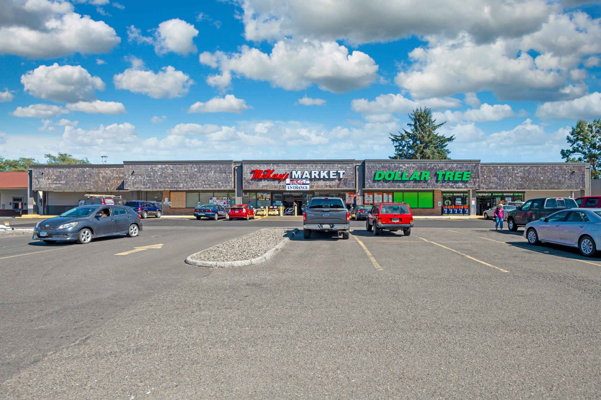 Reedsport Shopping Center - Reedsport, Oregon