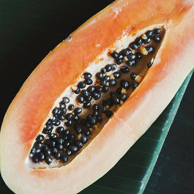 Did you know papaya contains a powerful enzyme called Papain that removes dead skin cells and can help resurface skin? Also loaded up with vitamin A and naturally occurring aloha-hydroxy acids to keep skin clear and bright. Best for dull or congested skin. Just mash up or blend a little papaya with honey, yogurt, or pineapple to brighten and moisturize.