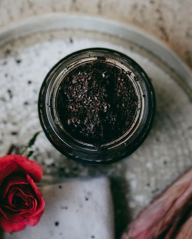 Super simple sweet-smelling coffee scrub with just coffee olive oil and vanilla and cedar wood essential oils. On the blog now.
