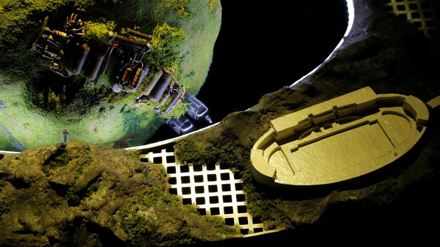 2.-Phi-Spaceship-detail.jpg