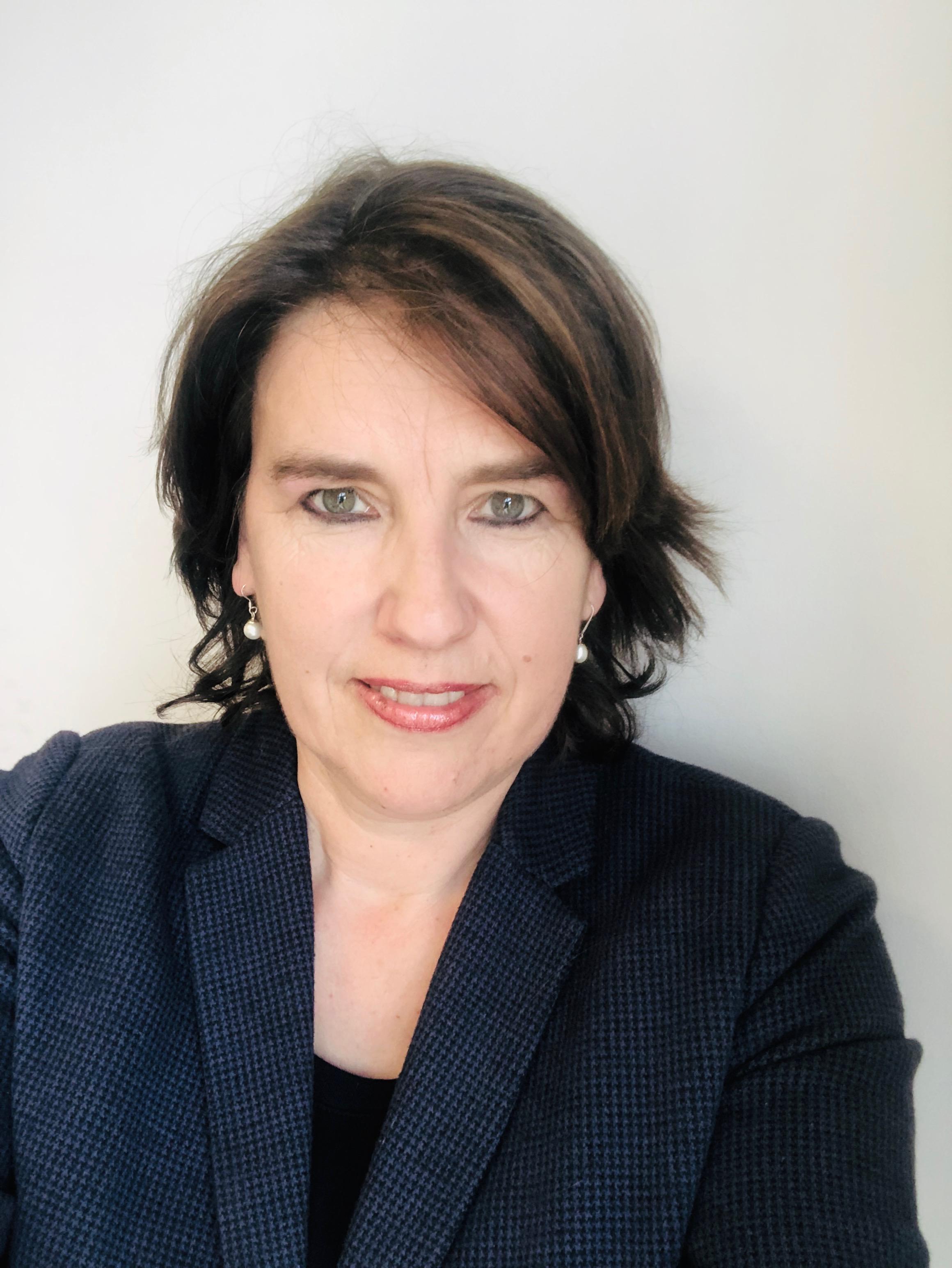 Linda Gardner    Managing Director