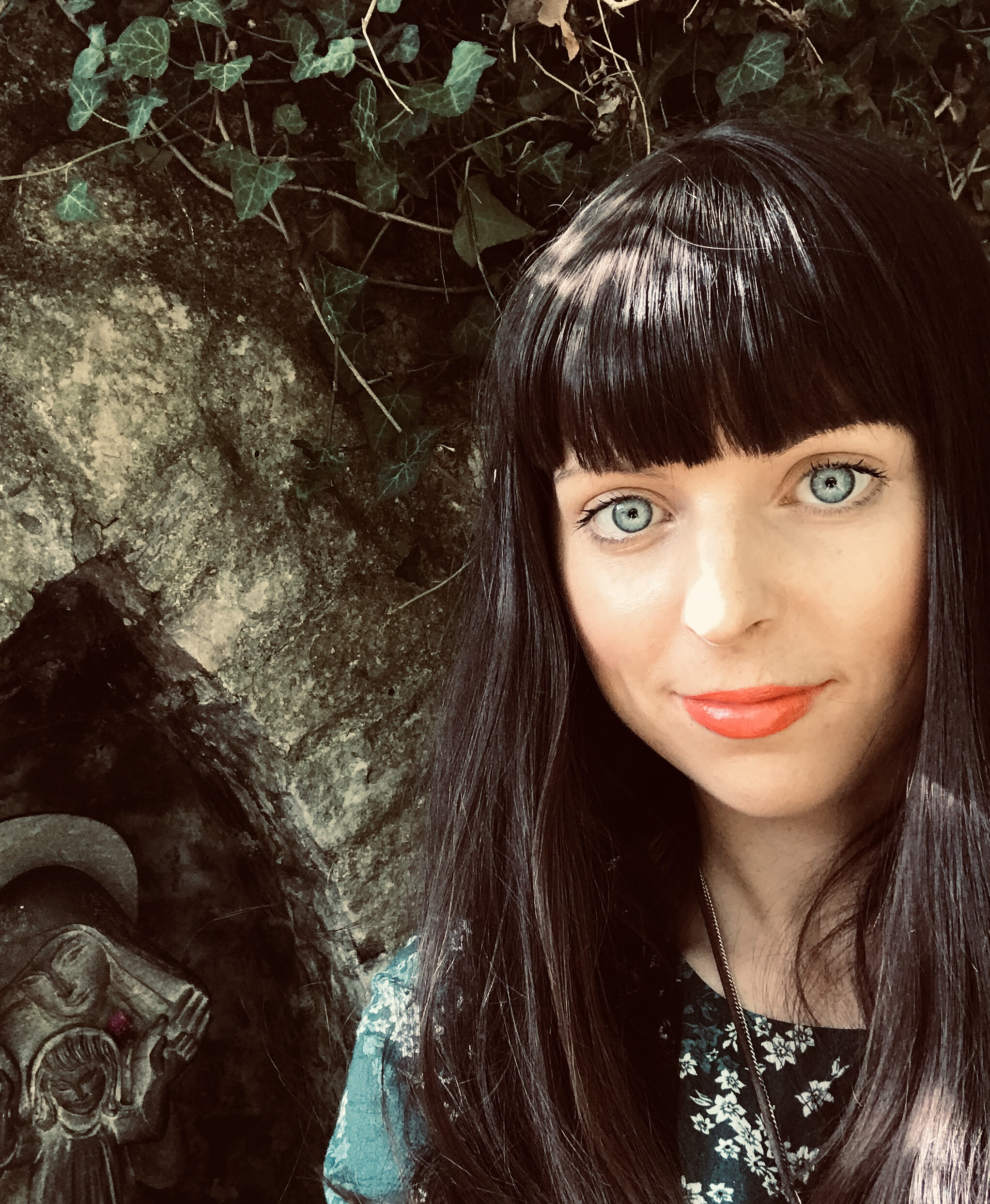 aBOUT MELANIE - Melanie specialises in Energy clearing and balancing to help you release energy, patterns and blockages no longer serving you, so you can live your full potential.Melanie is a gifted Intuitive Healer, Reiki and Seichim Sekhem Master, Intuitive, Hypnotherapist and Filmmaker.Melanie has studied an extensive range of transformative healing modalities, which are tailored to assist you on your unique wellness journey.