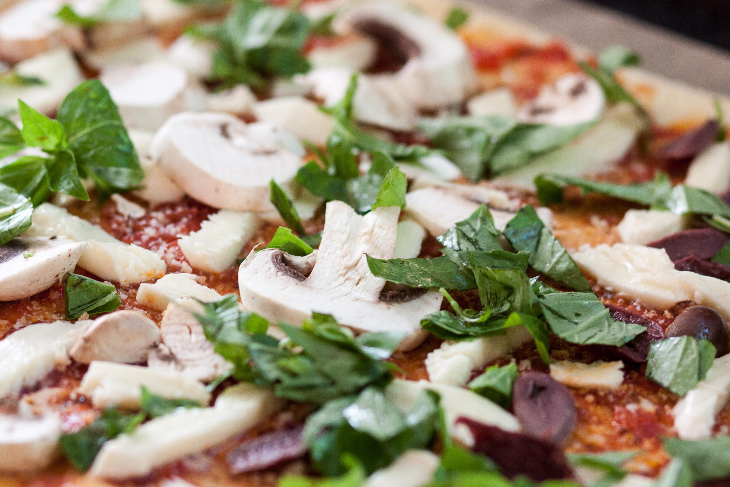 Farandole de champignons et sa pâte maison - Quoi de plus réconfortant qu'une bonne pizza maison ?