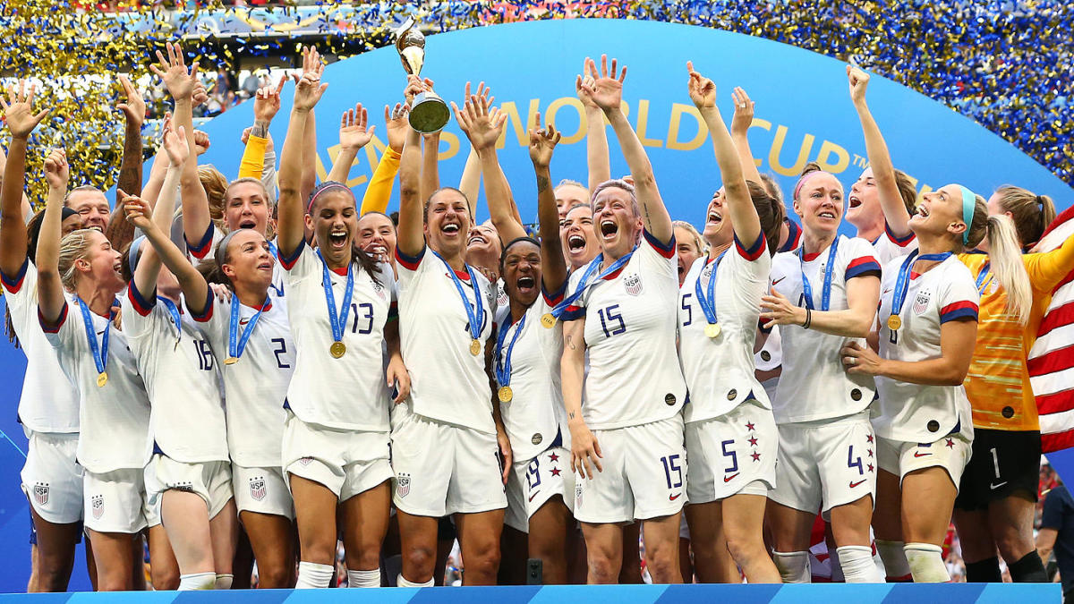 uswnt-wins-2019-wwc-trophy-1400-gettyimages-1160607693.jpg