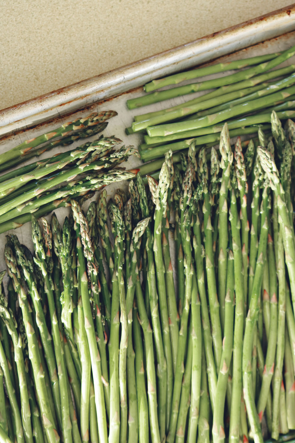 asparagus-bunch-close-up-2069280.jpg