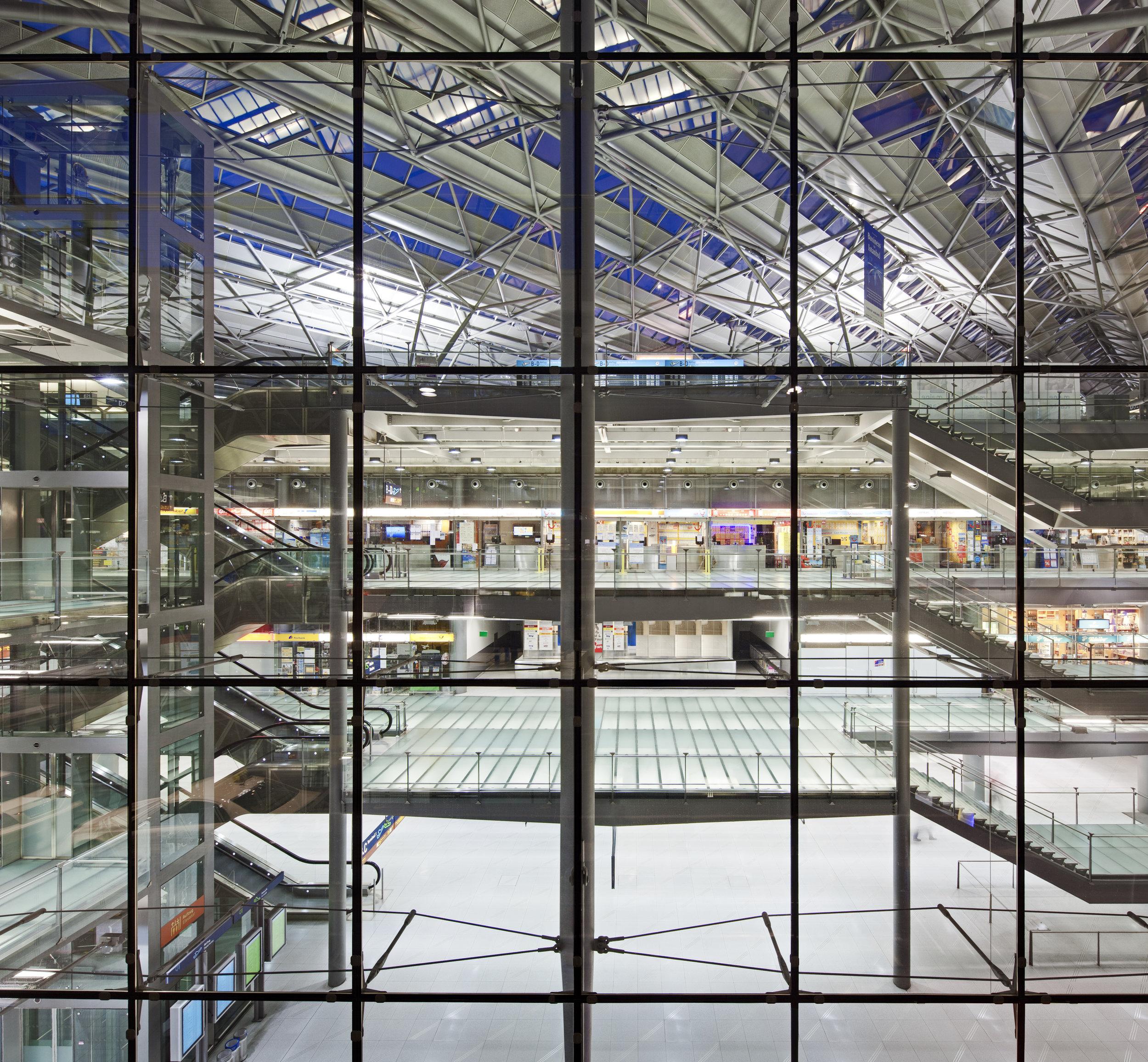 cgn-airport_09.jpg