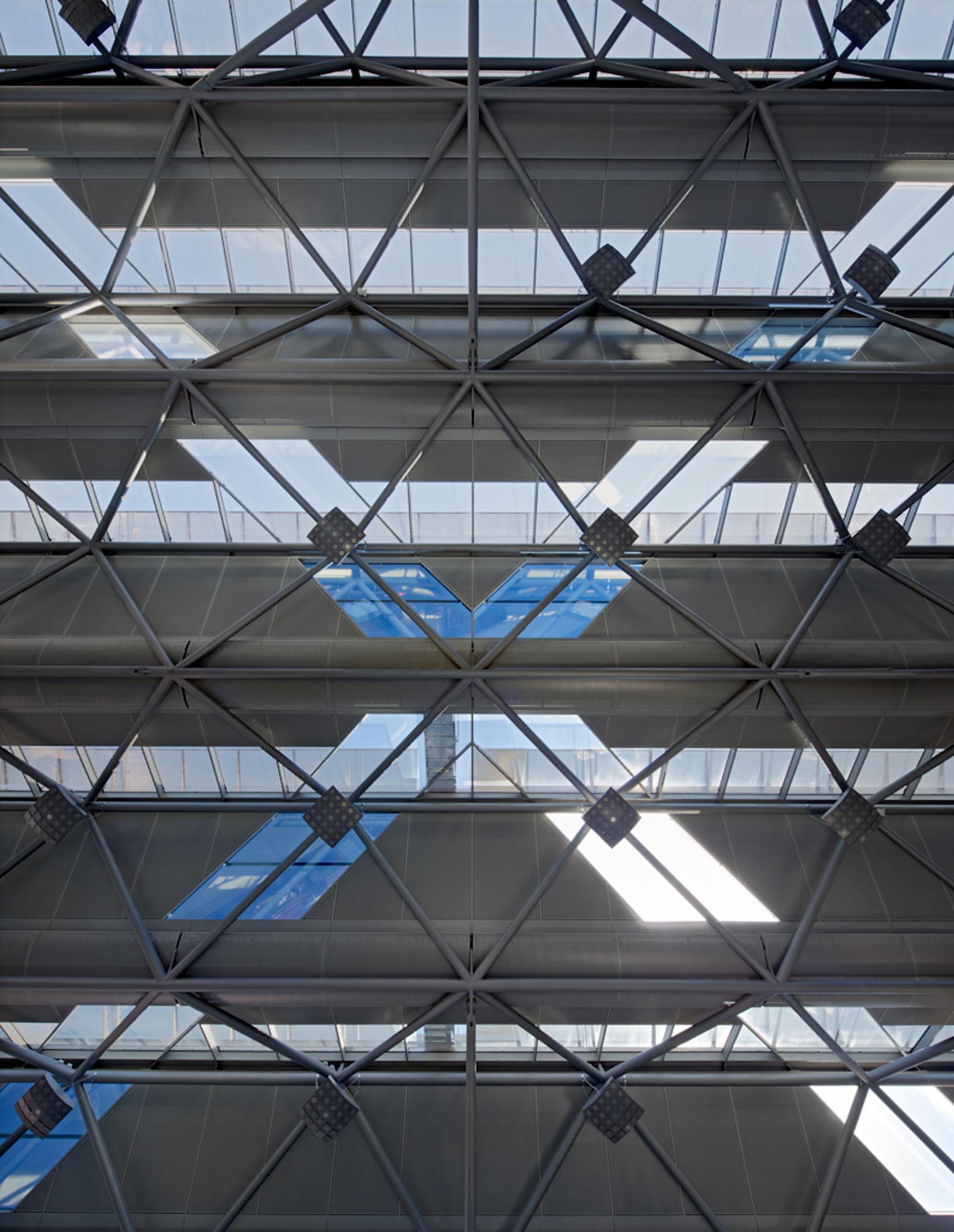 cgn-airport_15.jpg