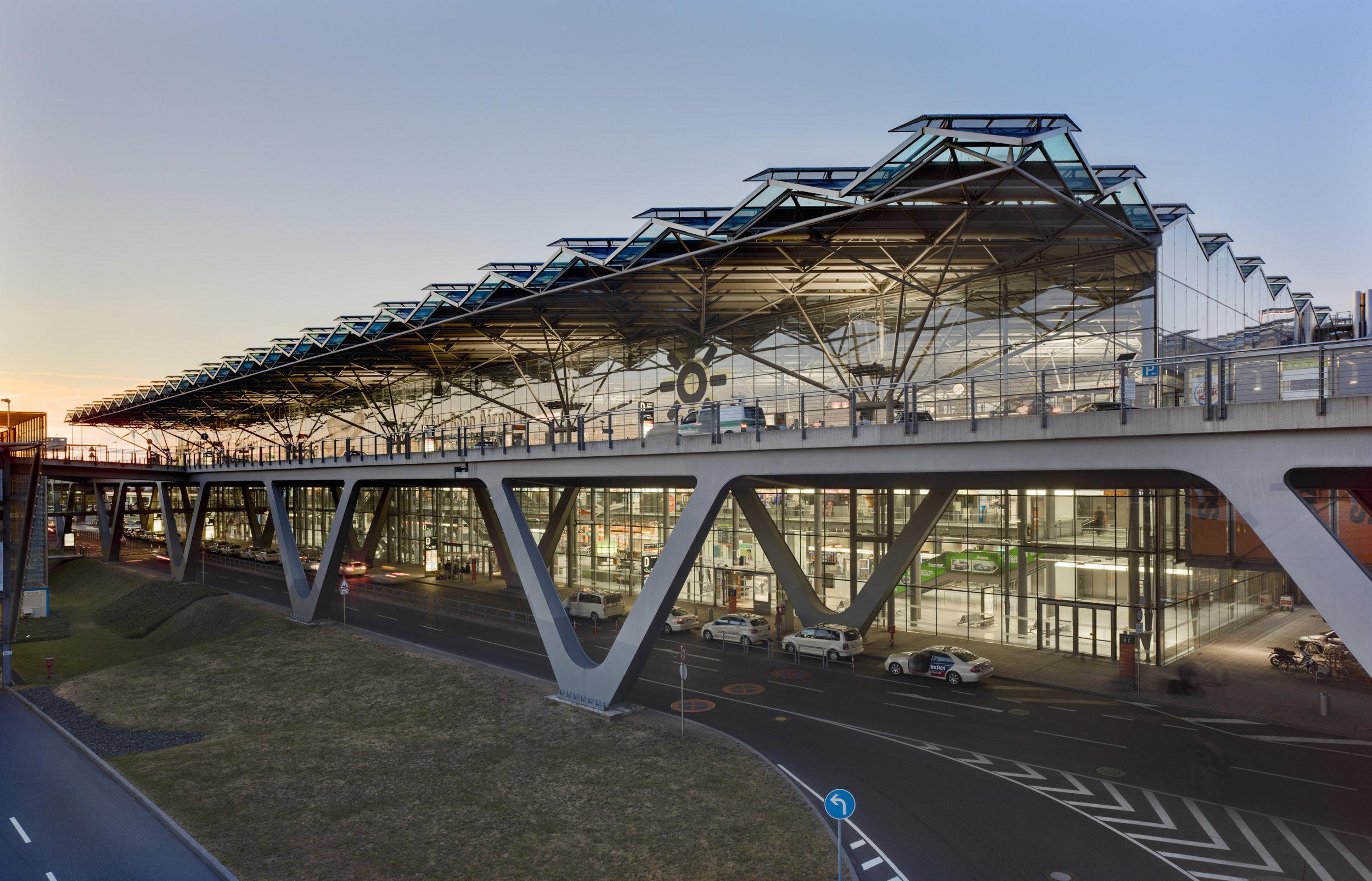 cgn-airport_01.jpg