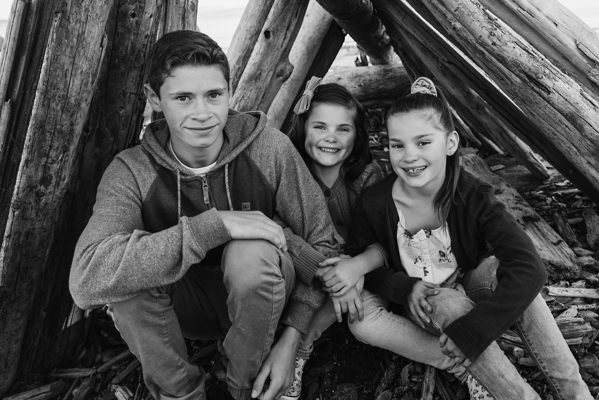 Siblings and Family Photographer Victoria BC.jpg
