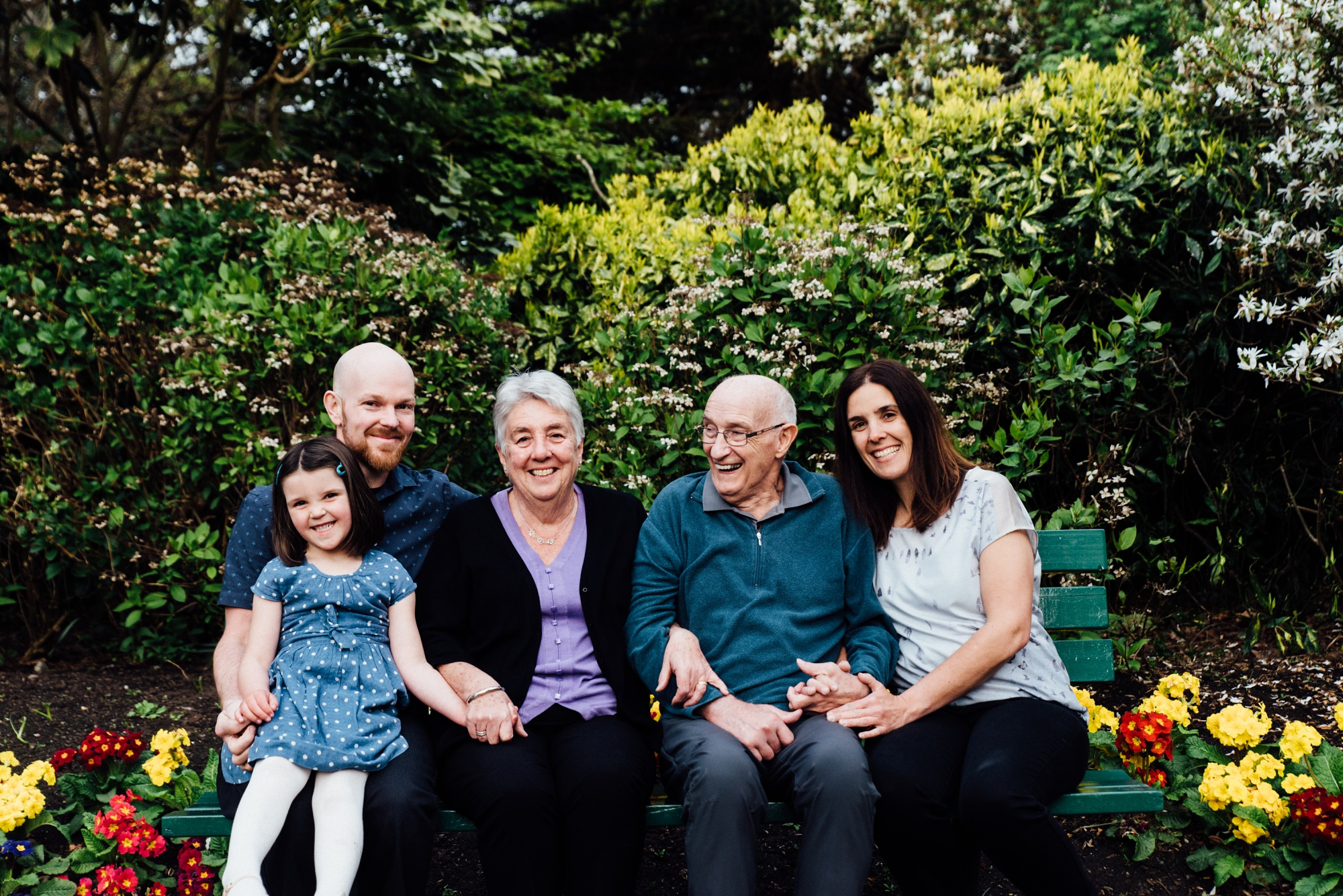 Extended Family Photos in Victoria BC.jpg