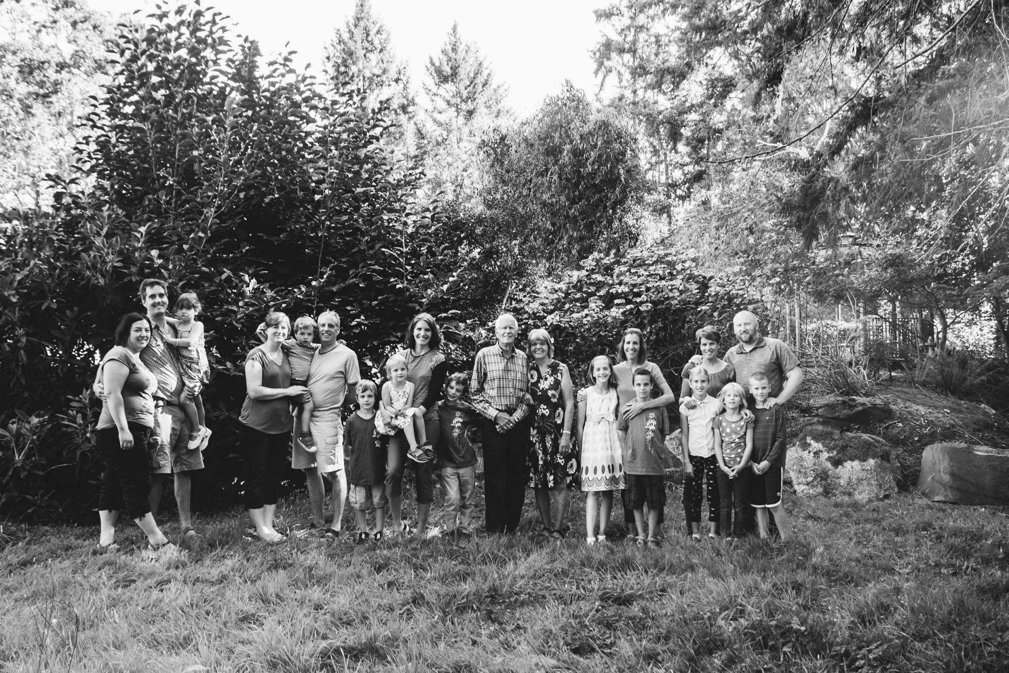 family photos victoria bc family photographer (1).jpg