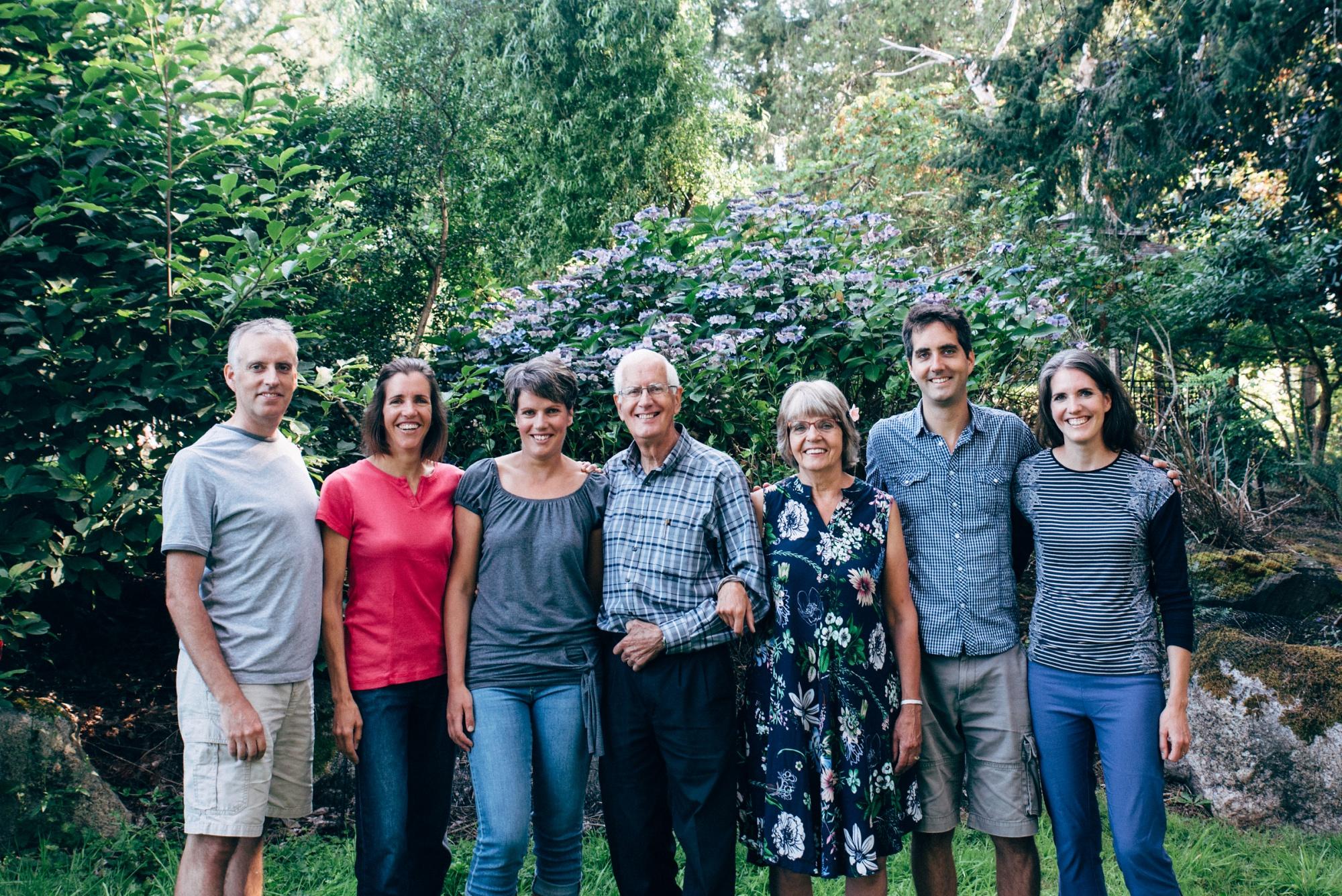family photos victoria bc family photographer (2).jpg