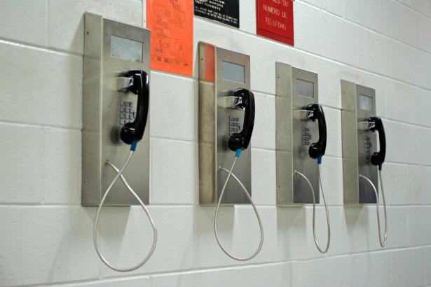 jail-phones-017.jpg