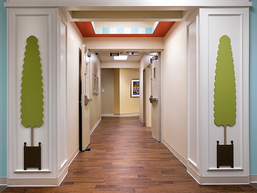 Teknoflor+Forestscapes+Holly+Hill+Childrens+Hospital+corridor.jpg