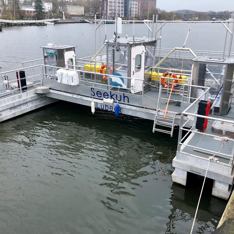 "Müllsammelschiff ""Seekuh"" in Kiel"