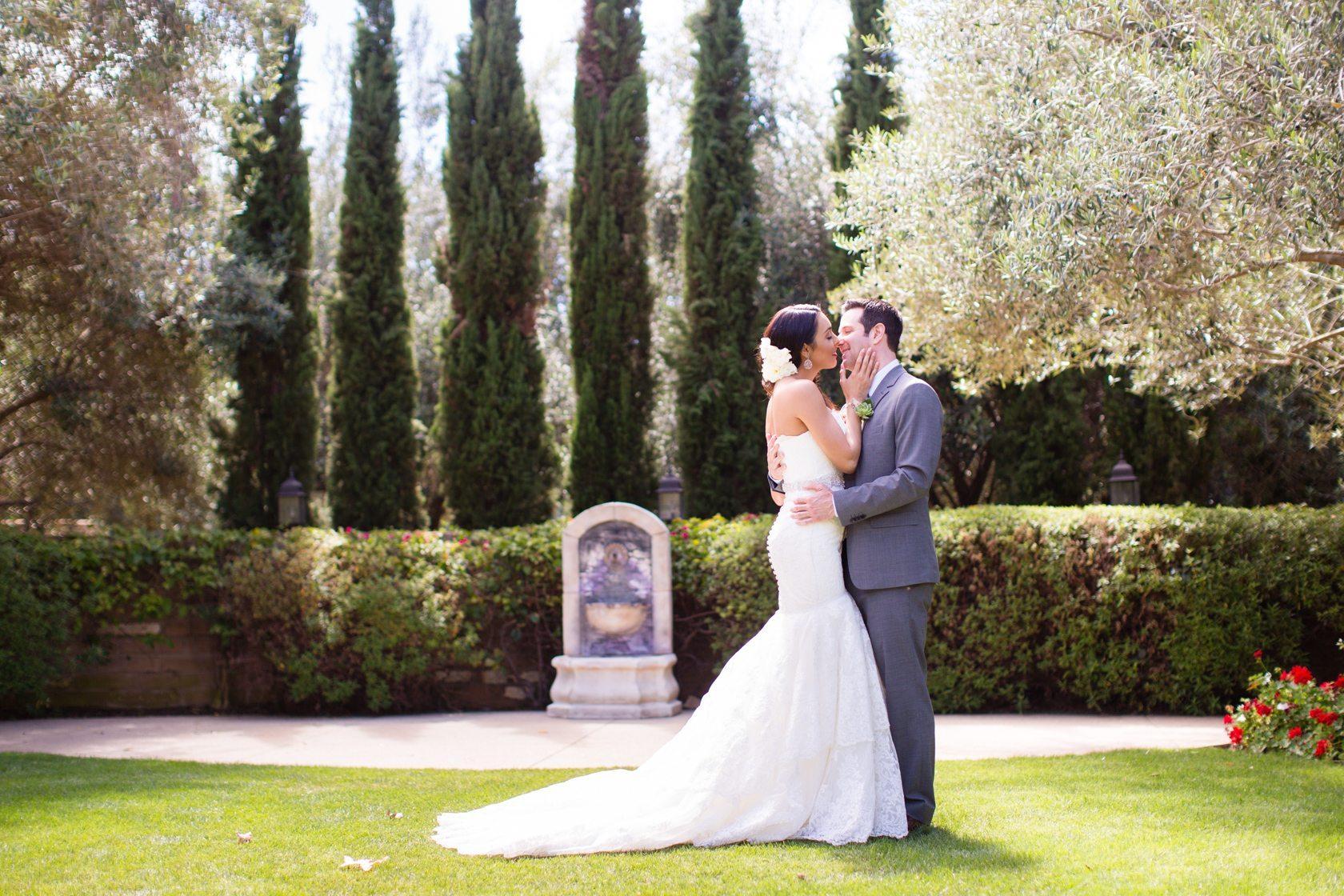 Romantic_Estancia_La_Jolla_Wedding_022.jpg