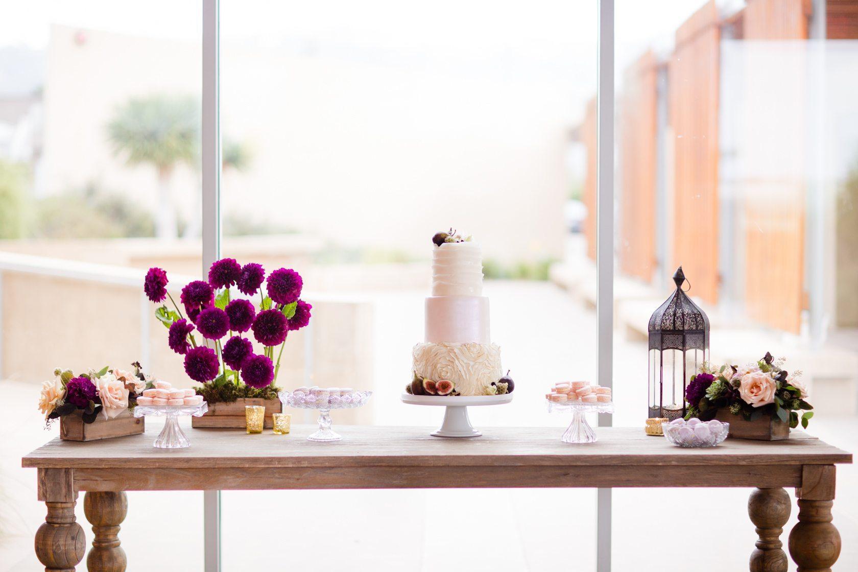 Romantic_Estancia_La_Jolla_Wedding_035.jpg